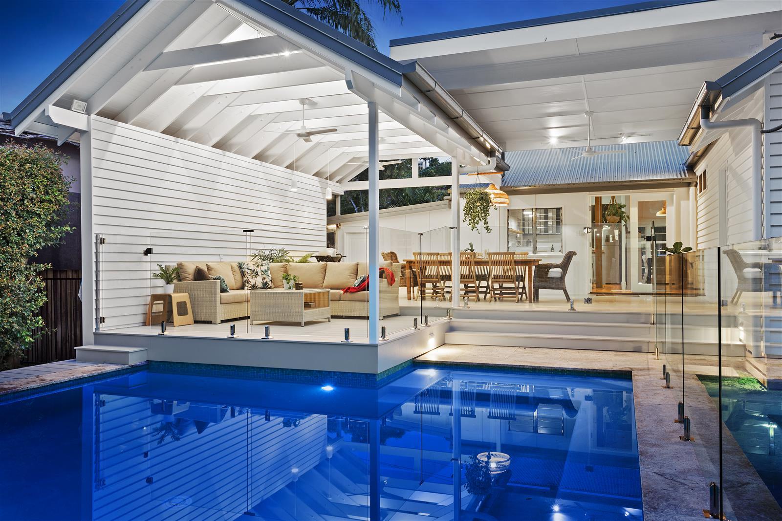 Gold Coast Central Beautiful New Deck Gold Coast 2517 6